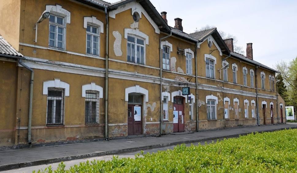 Film do artykułu: Dworzec kolejowy Stalowa Wola - Rozwadów do wyburzenia i do odnowienia