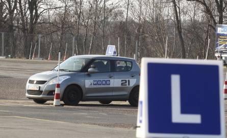 Przygotowanie do egzaminu kosztuje coraz więcej, co niedługo odczują również sami kandydaci na kierowców