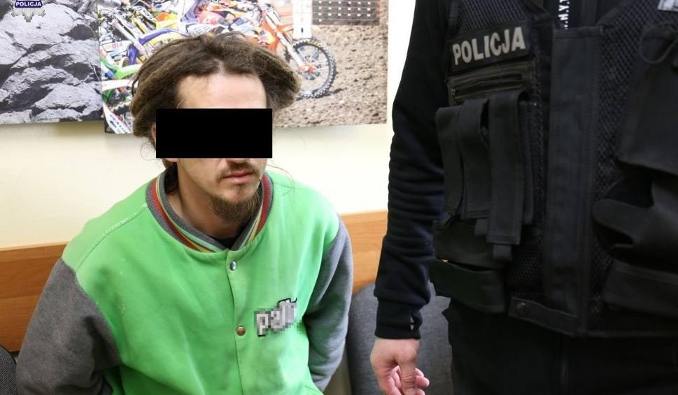 Film do artykułu: Policjanci zatrzymali oszusta. Za pieniądze miał załatwić sprawę w prokuraturze