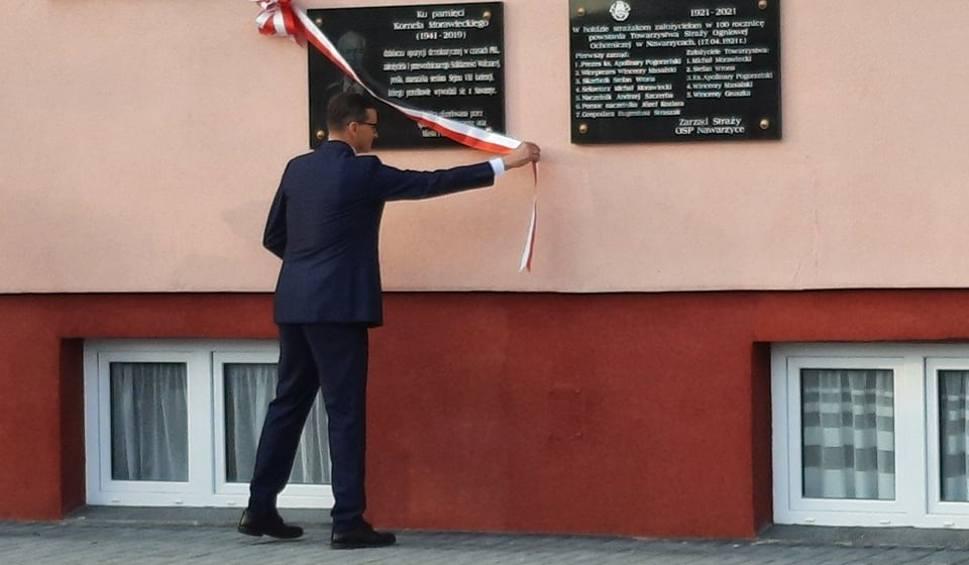 Film do artykułu: Premier Mateusz Morawiecki w Nawarzycach. Uczestniczył w 100-leciu Ochotniczej Straży Pożarnej. Odsłonił tablice pamięci ojca i pradziadka