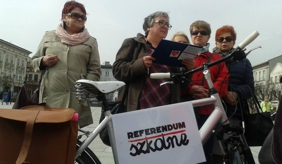 Film do artykułu: Wadowice. Nauczyciele chcą referendum, będą strajkować