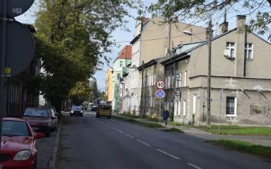 Niebezpiecznie na ulicy Wojska Polskiego i w jej okolicy. Grasuje tam banda nastolatków. Napadają, biją i kradną