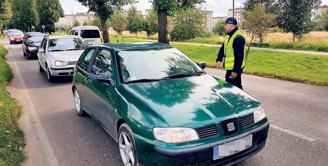 Przez weekend policja szczegółowo kontrolowała każdy samochód przejeżdżający przez powiat białogardzki. Wczoraj kontrole znacznie ograniczono. Rodzice