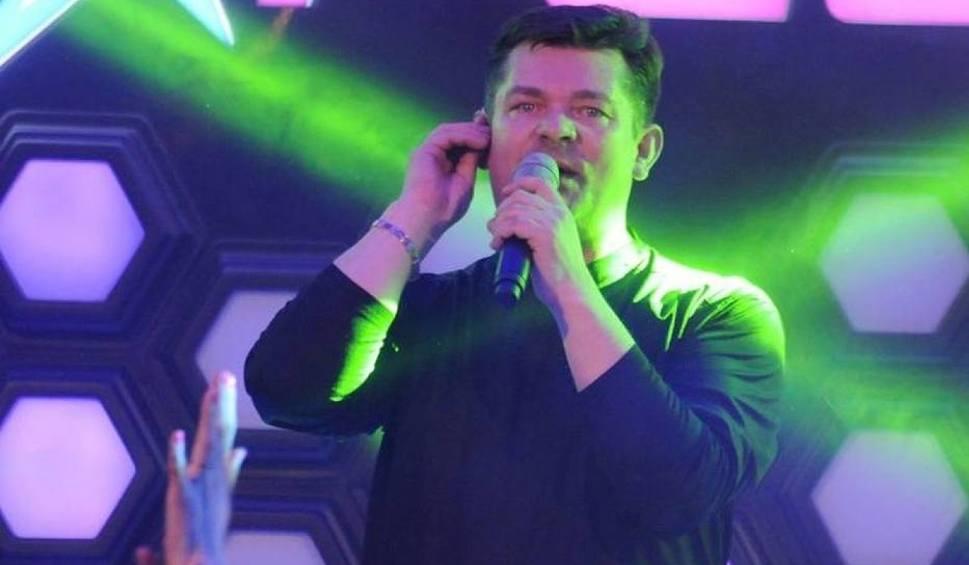 Film do artykułu: Zenek Martyniuk oceni, kto w gminie Bełchatów grilluje najlepiej. A potem zaśpiewa...