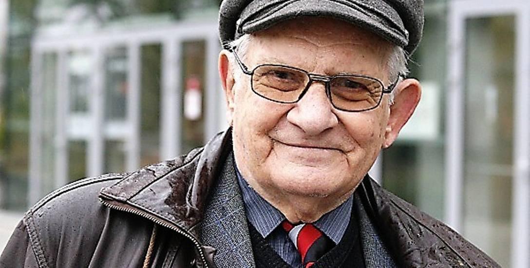 """- Gdy zaczynałem pracę nad """"Herbarzem szlachty śląskiej"""", sądziłem, że obejmie on najwyżej trzy, cztery tomy. Skończyło się na trzynastu - mówi pan Roman"""