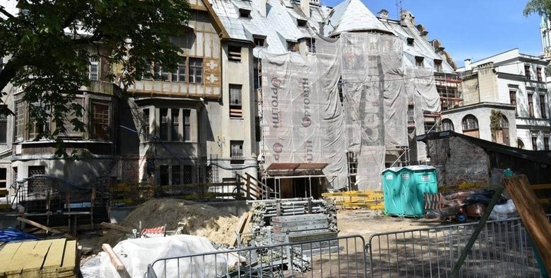 Postępuje remont pałacu Steinertów.