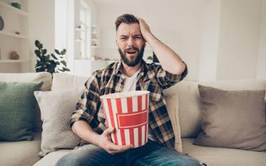 Zakazane filmy kojarzą ci się z PRL-owską cenzurą i sądzisz, że w dzisiejszych czasach widzowie na mają pełną wolność? Wydaje ci się, że światowe hity