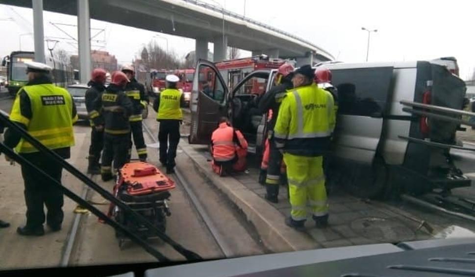 Film do artykułu: Wypadek na Energetyków w Szczecinie. Zderzyły się trzy samochody [ZDJĘCIA]