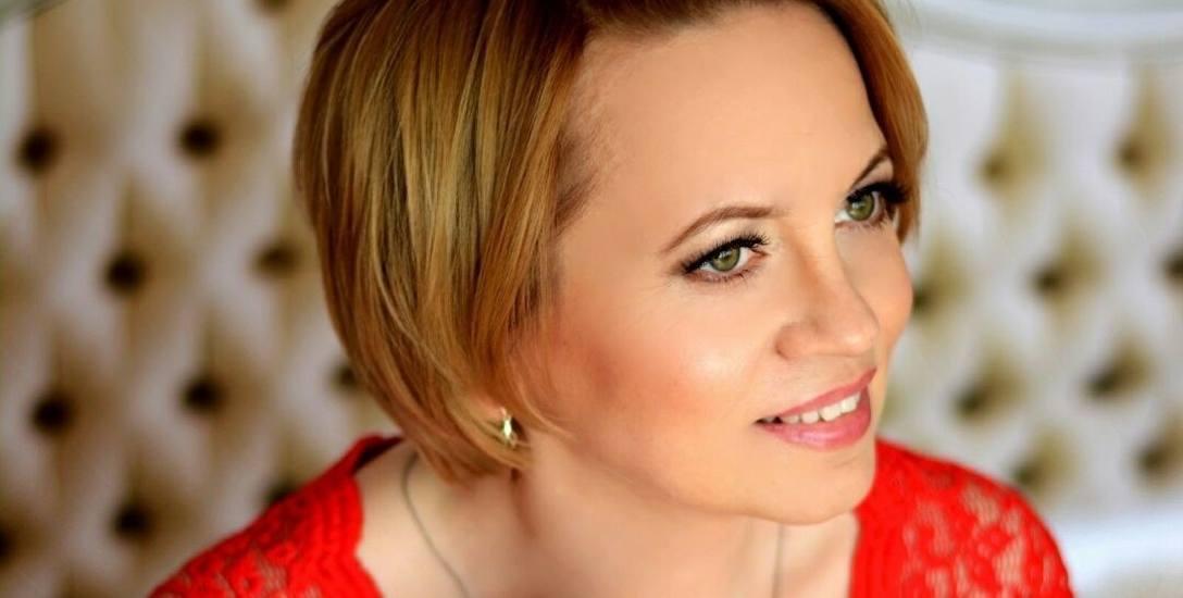 """Rozmowa z Renatą Kosin, autorką książki """"Jedwabne rękawiczki"""". W rodzinie nikt nie mówił o masakrze w Jedwabnem"""