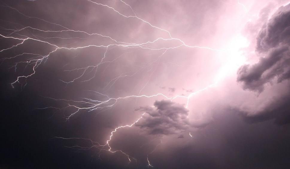 Film do artykułu: Uwaga! W piątek znów upalna pogoda. Będą burze [WIDEO]