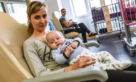 Na pobieranie opłaty od rodzica zezwalają przepisy ustawy o prawach pacjenta i Rzeczniku Praw Pacjenta