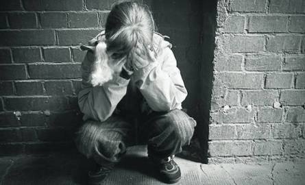 42-latek wielokrotnie umawiał się z dziewczynką. Trwało to kilka miesięcy