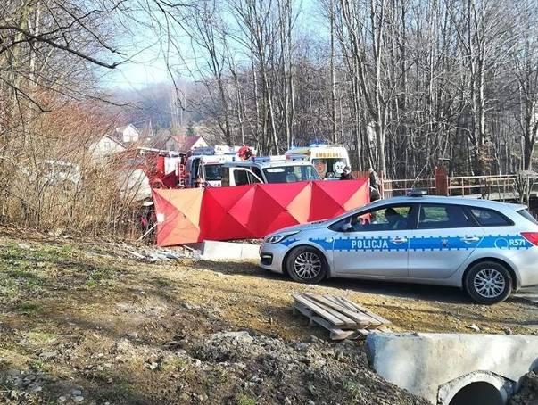 Tragiczny wypadek w Rychwałdku. Śmiertelne potrącenie dwóch kobiet ZDJĘCIA Policja wyjaśnia okoliczności zdarzenia