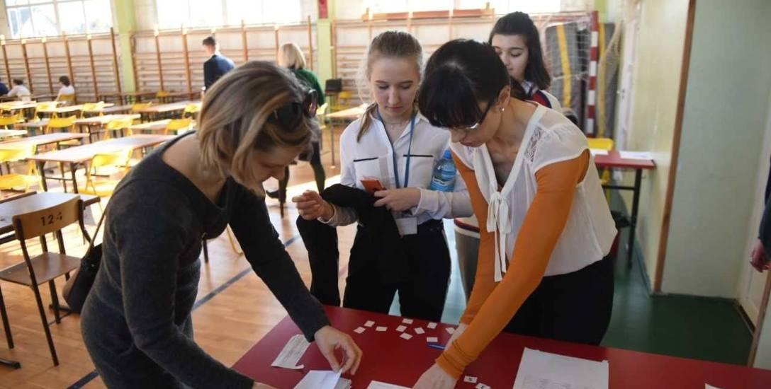 W  Szkole Podstawowej nr 4 podobnie jak w innych szkołach w Toruniu egzamin odbył się bez przeszkód