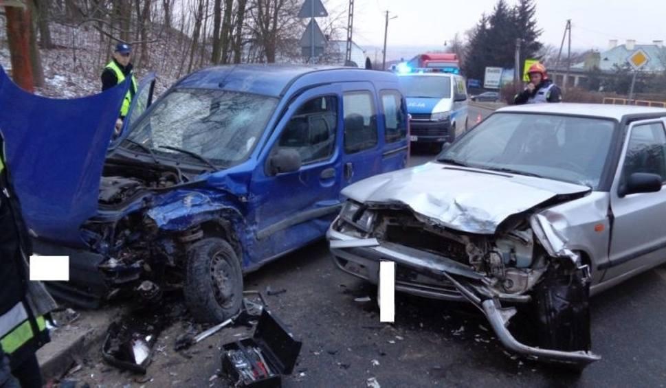 Film do artykułu: Trzy osoby poszkodowane po wypadku w Pińczowie [ZDJĘCIA]