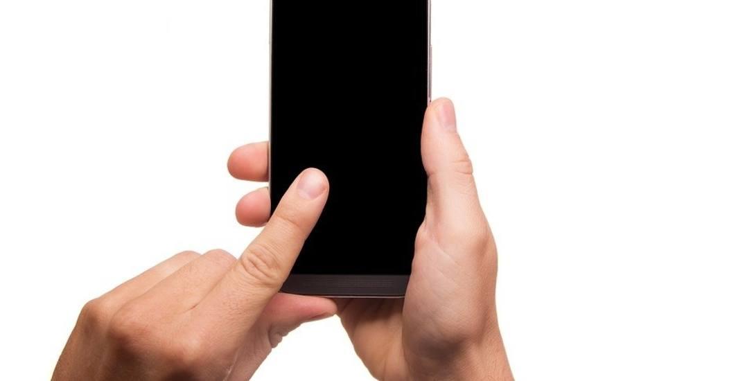 W czasie awarii smartfona z konta wyparowało 14 tysięcy złotych