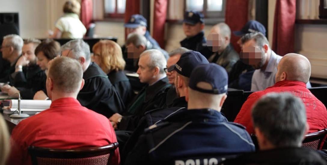 Jeżeli gdański sąd apelacyjny uwzględni zaskarżenie lubelskiej prokuratury, to uniewinnieni w sprawie śmierci Karpowicza mogą ponownie trafić na salę