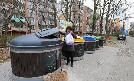 Gdzie wrzucać śmieci? Jak segregować śmieci? Odkąd segregacja śmieci jest obowiązkowa, niejednokrotnie zastanawiamy się gdzie wrzucić jajko, a gdzie