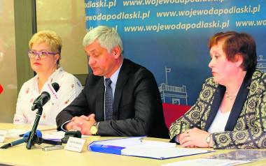 Na zdjęciu od lewej: Małgorzata Gutowska, Bohdan Paszkowski i Jadwiga Zabielska