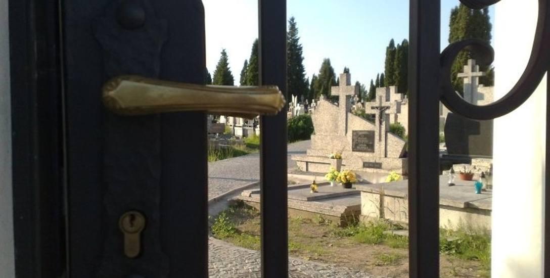 Przetopione święte figurki z cmentarza trafiały do chciwych paserów