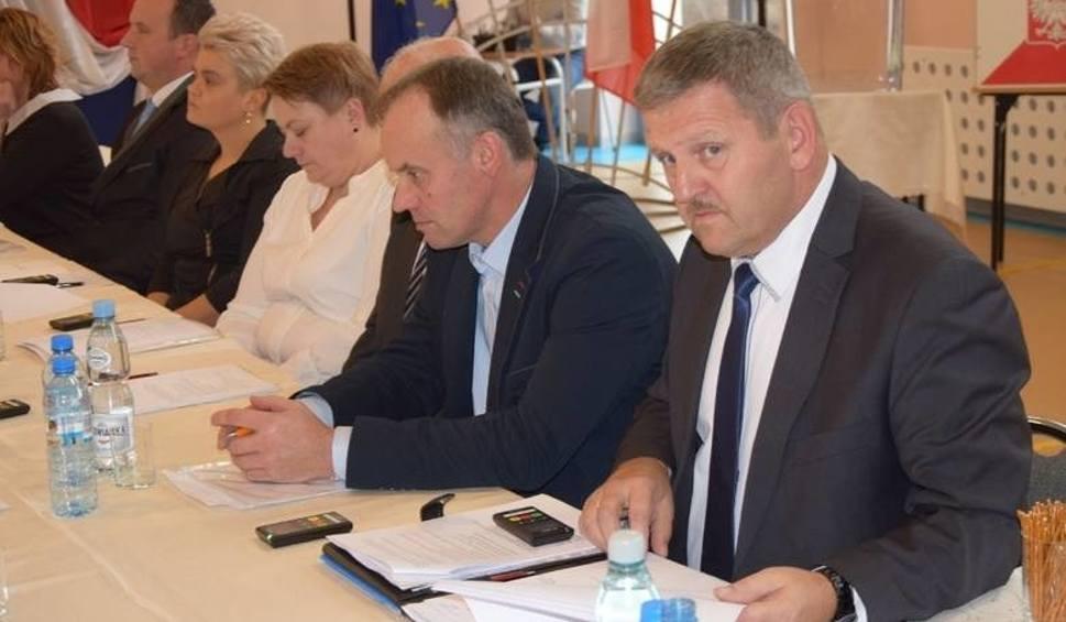 Film do artykułu: Radni gminy Bodzechów będą obradować w poniedziałek. Zobacz transmisję na żywo