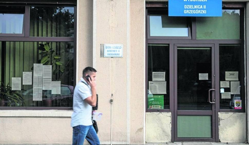 Film do artykułu: Wybory samorządowe 2018. Wybory do rad dzielnic w Krakowie. Ostatni dzień na rejestrację kandydatów na radnych. Można zgłosić się samemu