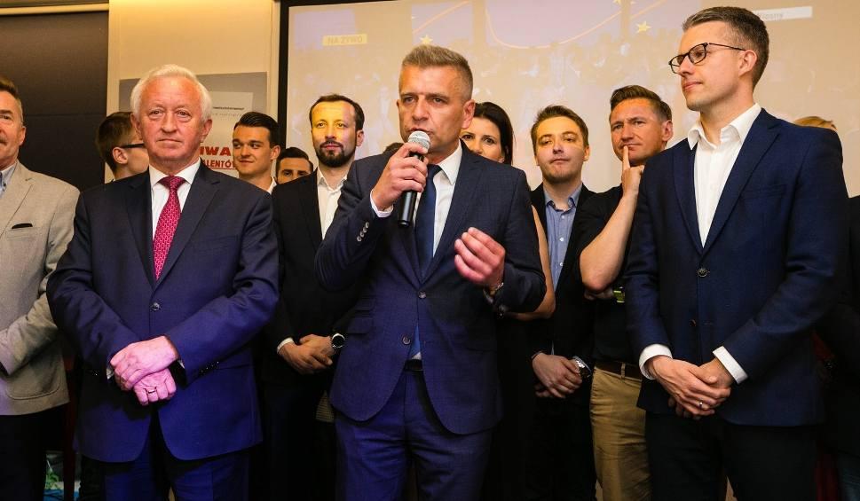 Film do artykułu: Wybory do Parlamentu Europejskiego 2019. Sondażowe wyniki: Koalicja Europejska na 2. miejscu. Dla kogo mandat?