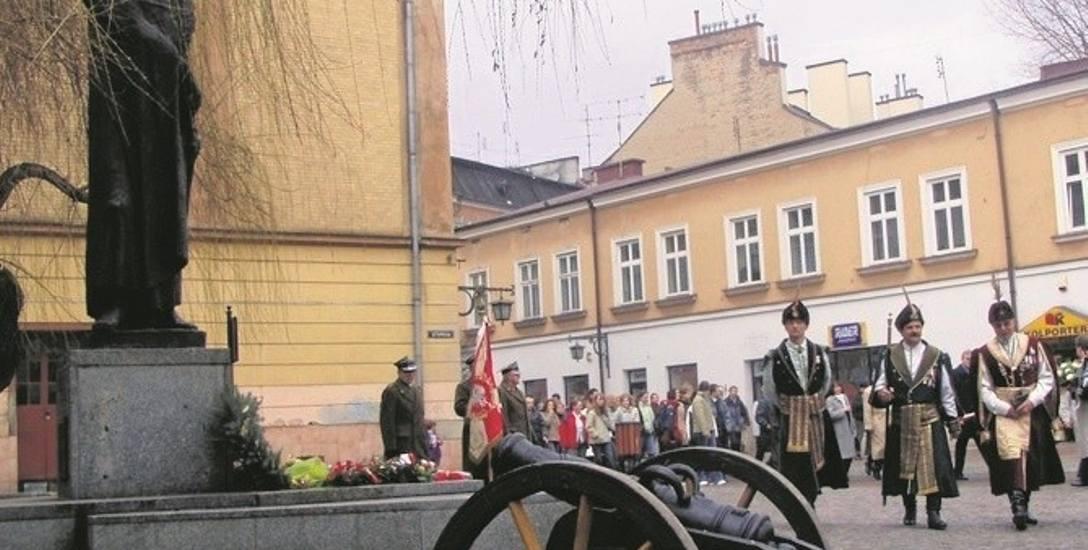 Najbardziej rozpoznawalnym symbolem przyjaźni Tarnowa z Węgrami jest osoba gen. Józefa Bema, który tu spoczywa