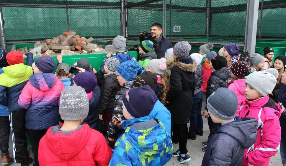 Film do artykułu: Nisko ma nowoczesny Punkt Selektywnej Zbiórki Odpadów Komunalnych