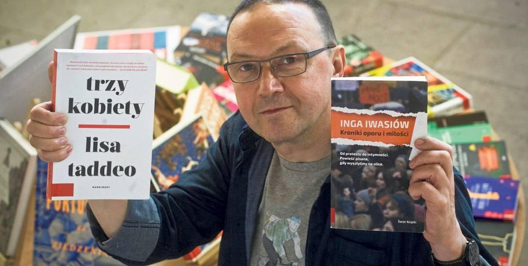 Koszalińska Biblioteka Publiczna dla czytelników jest zamknięta, ale jej dyrektor Dariusz Pawlikowski jest na posterunku. Bibiotekarze zadbali o to,