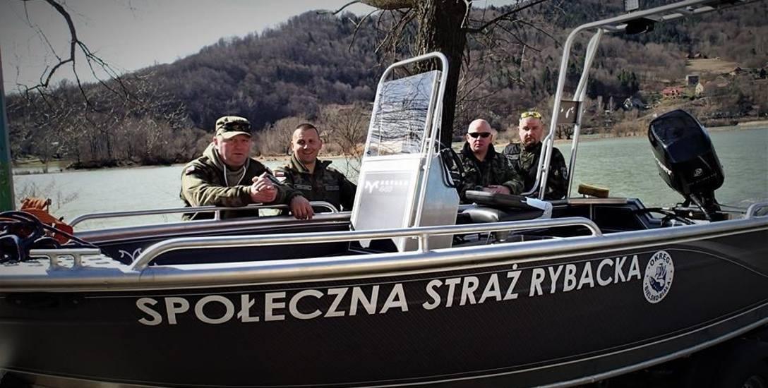 Dzięki składkom wędkarzy udało się kupić łódź. Będzie służyła do walki z kłusownikami i zarybiania żywieckich akwenów