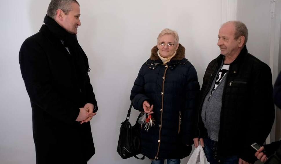 Film do artykułu: Poszkodowani w wybuchu na Dębcu dostali nowe mieszkania [ZDJĘCIA]