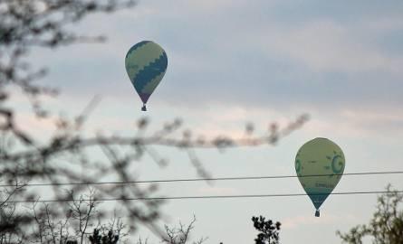 Balony pojawiły się nad Starówką i leciały w kierunku Strzemięcina, wzdłuż Wisły.