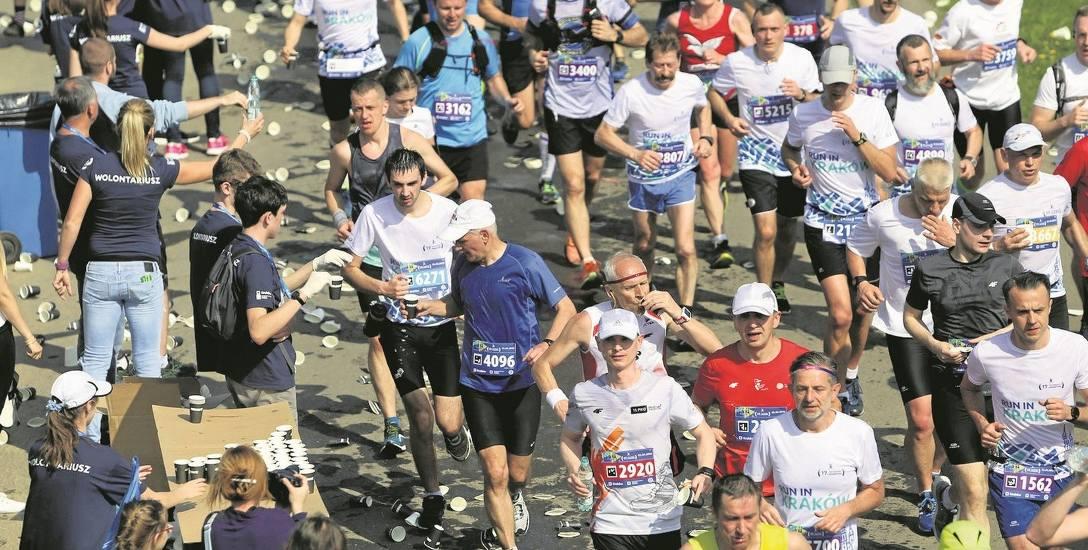Tylko jeden  maraton w życiu.  O roli aktywności fizycznej opowiada prof. dr hab. n. med. Robert Irzmański, internista, kardiolog