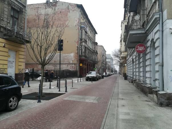 Woonerf na ul. Traugutta w rozsypce - mieszkańcy nie są zadowoleni, bo samochody tędy pędzą i jest duży hałas!