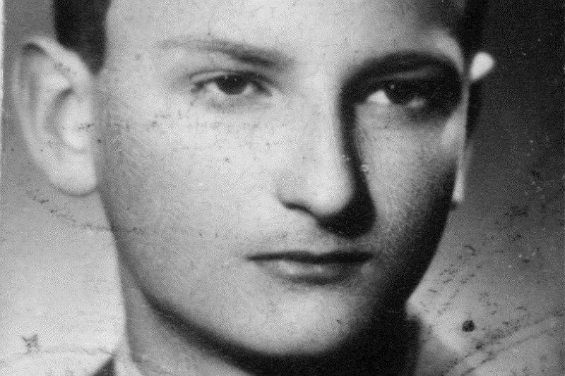 Sławomir Mrożek w wieku 13 lat.