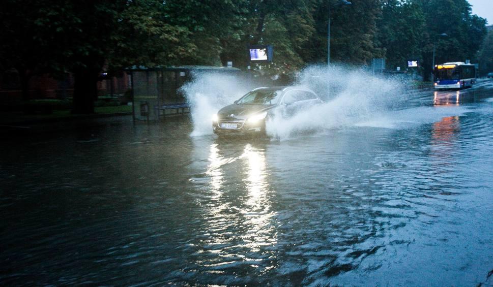 Film do artykułu: Bydgoszcz - miasto nad wodą, a po ulewach także... pod wodą