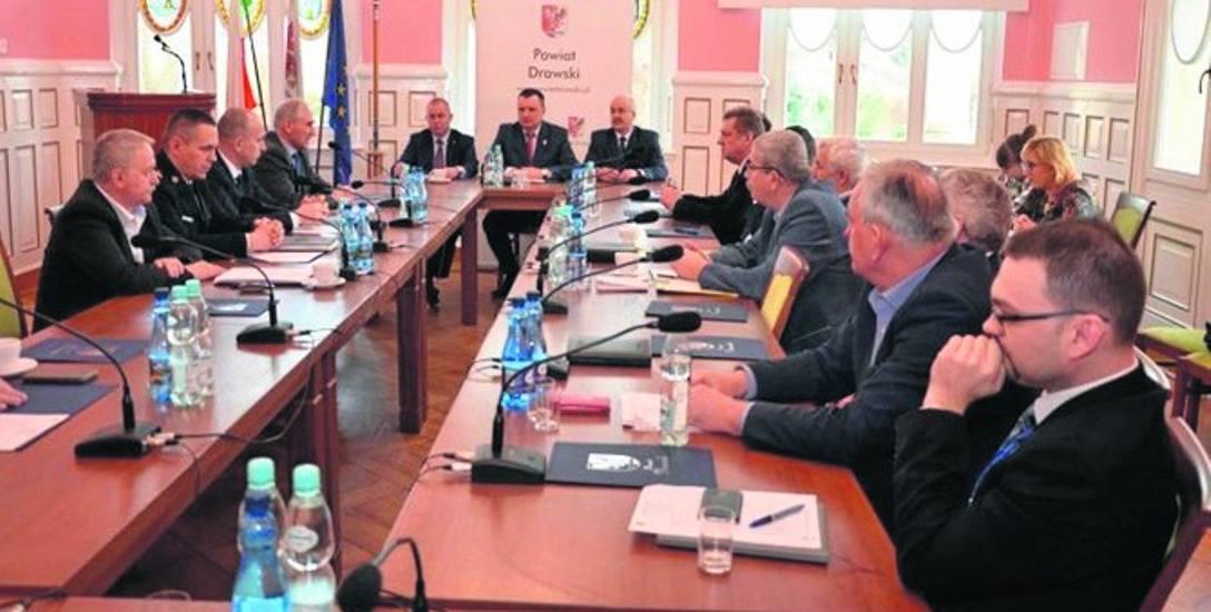Obrady Konwentu Starosty, Burmistrzów i Wójtów powiatu drawskiego dotyczyły przede wszystkim gminy Ostrowice