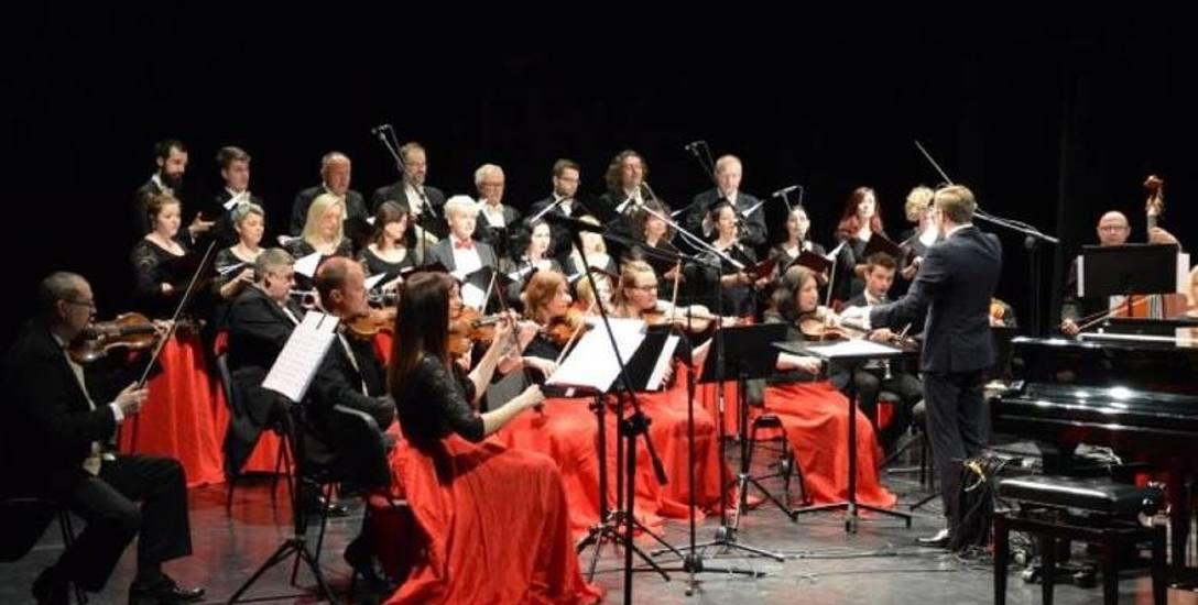 Nagrany na płytę koncert odbył się w minioną sobotę w Filharmonii Kaszubskiej w Wejherowie. Cappellę Gedanensis poprowadził Jacek Brzoznowski.