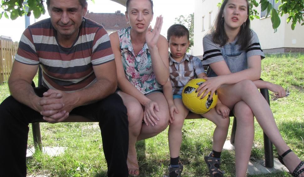 Film do artykułu: STRZELCE KRAJEŃSKIE. Ukraiński kierowca, który ratował ludzi na polskiej autostradzie, ma problemy. Może stracić kartę pobytu (AKTUALIZACJA)