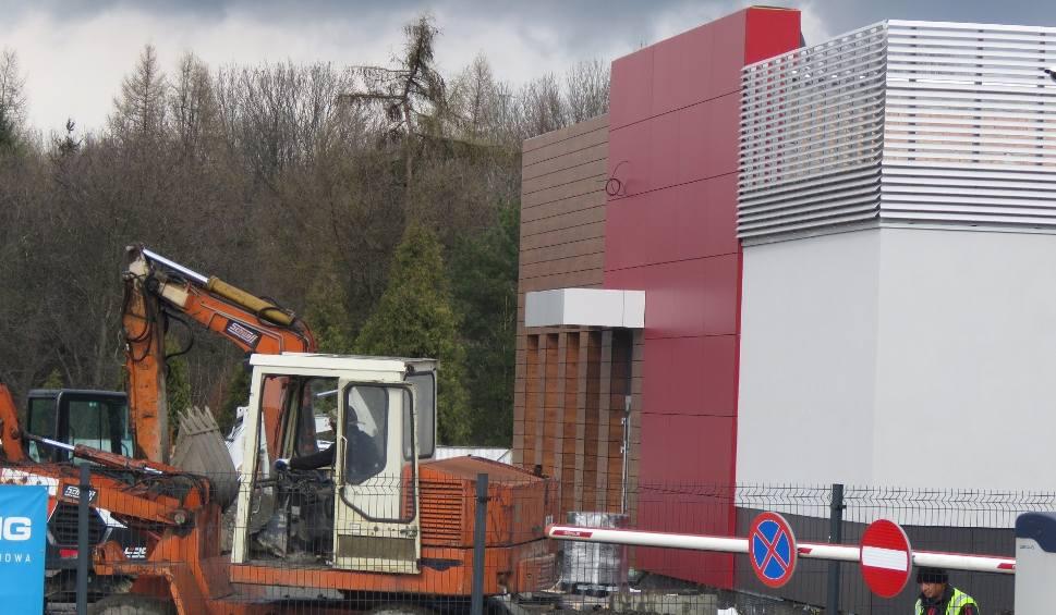 Film do artykułu: Budują KFC w Wadowicach przy DK52. Pierwsze w całym powiecie. Będzie sensacją jak McDonald's? Otwarcie w tym roku [WIDEO] [AKTUALIZACJA]