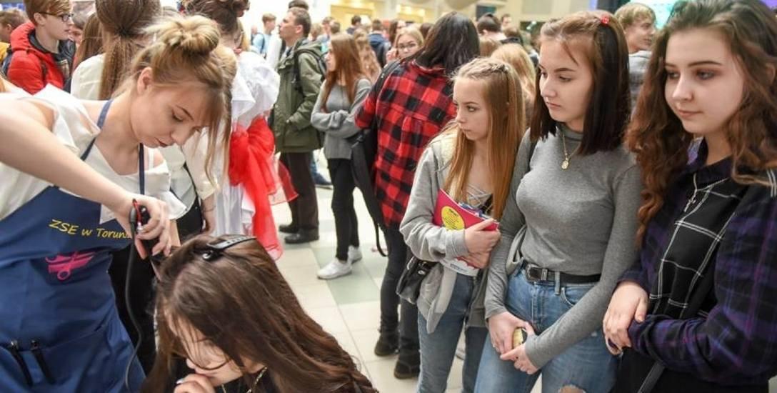 Toruńskie szkoły promowały się na różne sposoby.