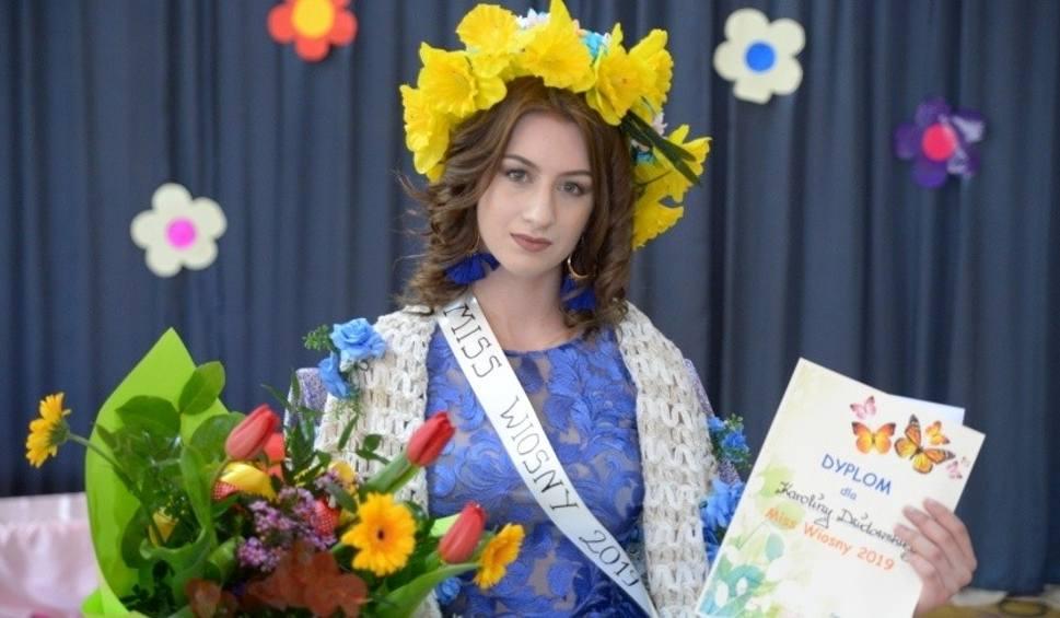 """Film do artykułu: Królowa Wiosny 2019 ma na imię Karolina. Superimpreza w buskim """"Ekonomiku""""! [ZDJĘCIA]"""
