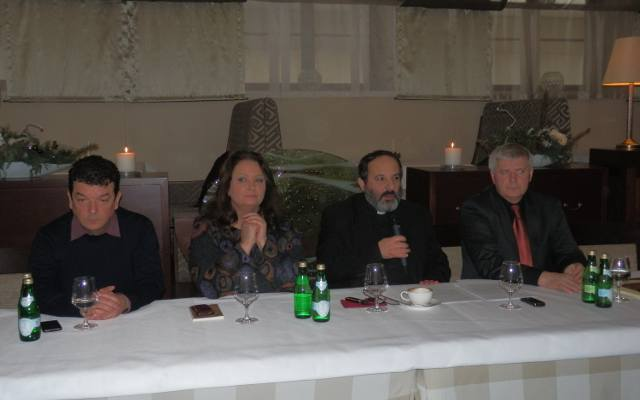 Znamy Laureatow Medalu Sw Brata Alberta Video Gazetakrakowska Pl