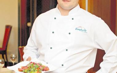Marcin Szymański, szef kuchni restauracji  T&T poleca kolorowe sałatki, znakomite na wiosnę i lato