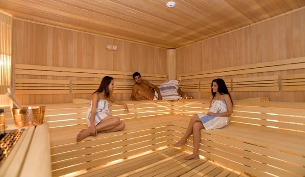 majtki w saunie uwieraj w czeladzi do sauny tylko nago. Black Bedroom Furniture Sets. Home Design Ideas