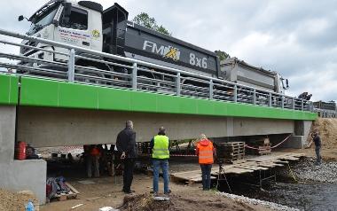 Innowacyjne wzmocnienie konstrukcji mostu