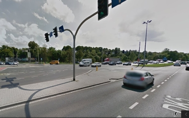 Skrzyżowanie ulicy Zwycięskiej i alei Karkonoskiej
