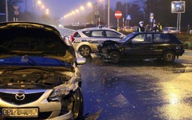Znikające światła na skrzyżowaniu Racławickiej i Skarbowców