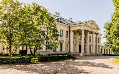 Pałac i Stadnina Walewice